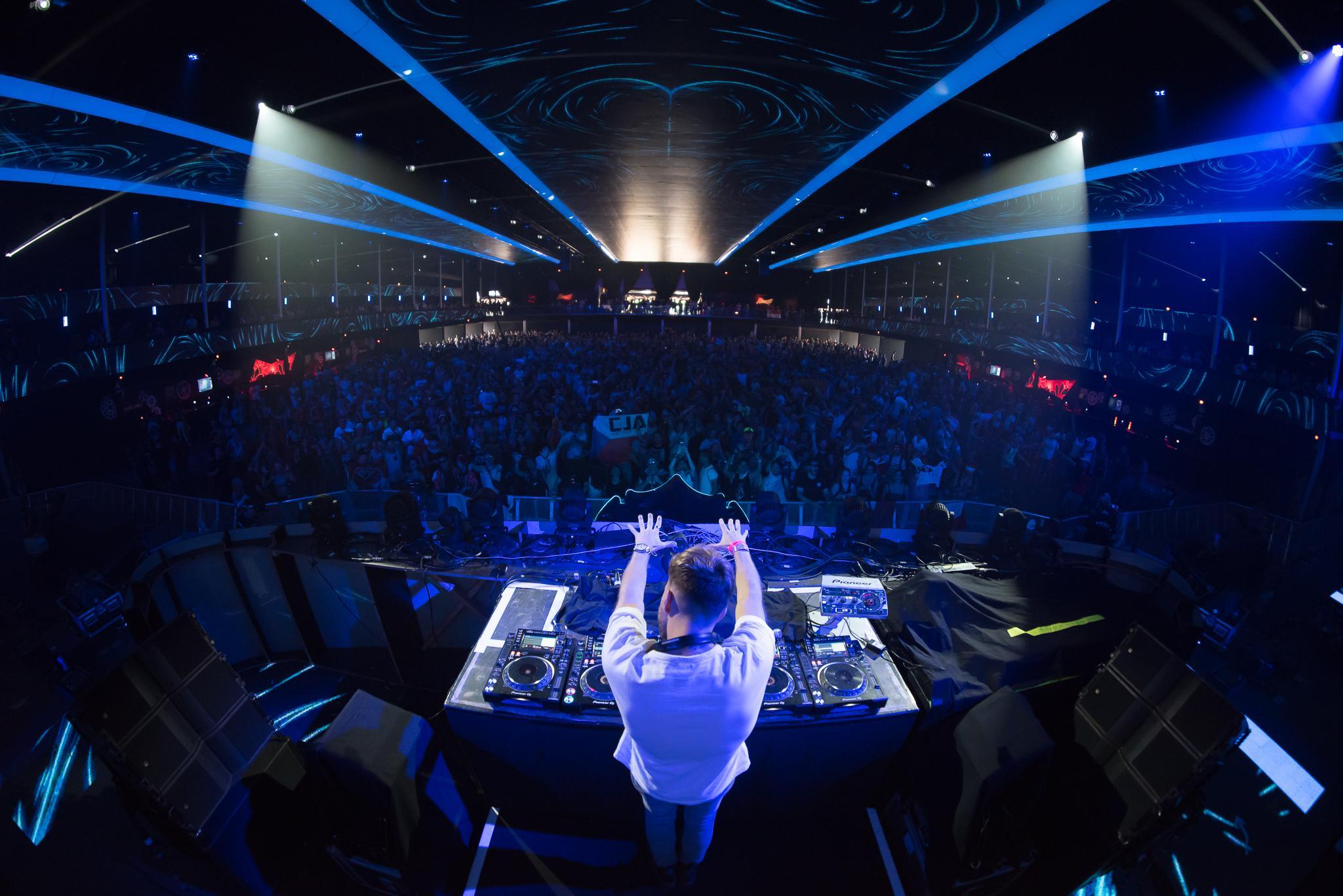 Axtone_Tomorrowland_PavelKuna_WEB088